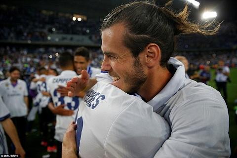Chum anh Real Madrid an mung chuc vo dich La Liga 201617 hinh anh 6