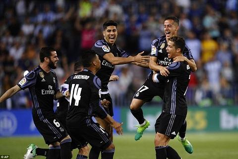 Trung ve Sergio Ramos Real vo dich La Liga xung dang hinh anh