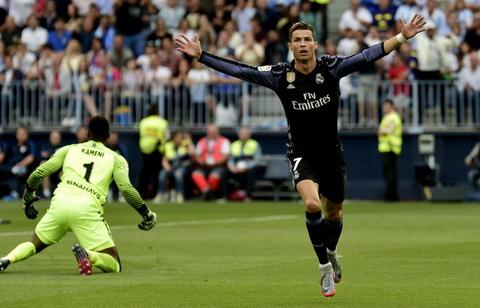Real Madrid dang quang, Ronaldo len mat day doi du luan hinh anh