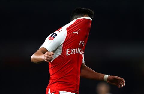 Arsenal tu choi ban tien dao Sanchez cho PSG hinh anh 2