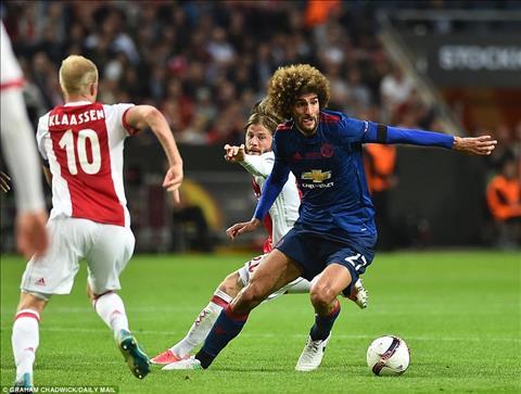 Ajax 0-2 MU Thang dung chat Mourinho, Man do buoc len buc vinh quang hinh anh 4