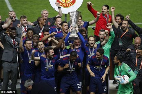 Ajax 0-2 MU Thang dung chat Mourinho, Man do buoc len buc vinh quang hinh anh