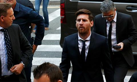Ngoi sao Messi bi bac don khang cao toi tron thue hinh anh