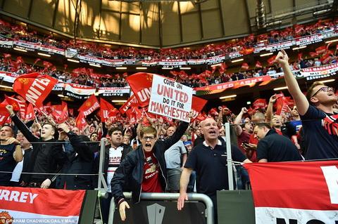 Tuong lai tuong sang dang cho phia truoc khi MU vo dich Europa League.