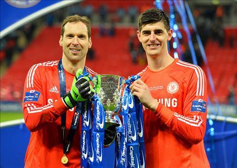 Chung ket FA Cup Courtois va Cech Ai xuat sac hon hinh anh 2