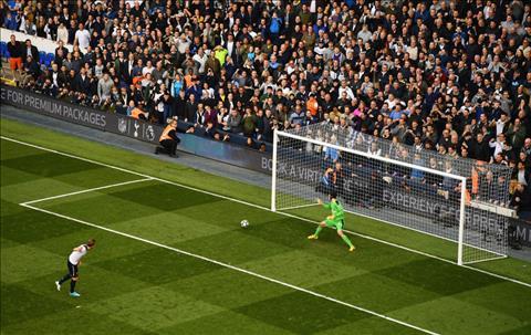 Chung ket FA Cup Courtois va Cech Ai xuat sac hon hinh anh 3