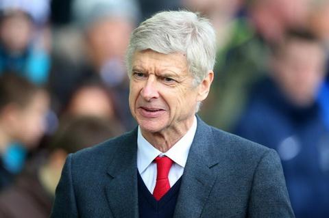 Arsene Wenger cho rang viec chuyen sang san Emirates day ong vao tinh canh hien tai.