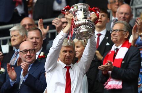 Nhung tac dong tuc thi tu viec HLV Wenger o lai Arsenal hinh anh 3