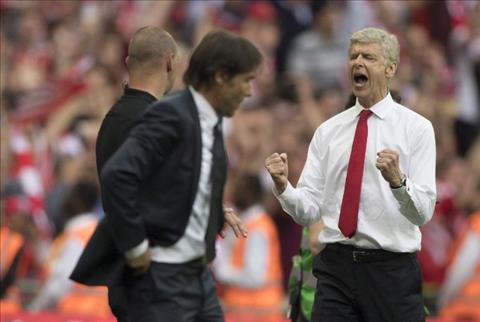 Du am Arsenal 2-1 Chelsea Wenger uy luc chi day Conte bai hoc gia re hinh anh 4
