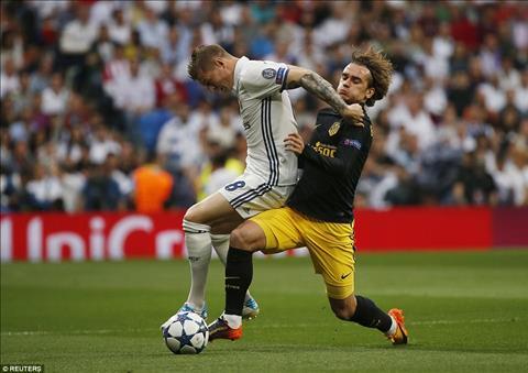 Real Madrid 3-0 Atletico Ronaldo thang hoa dua Los Blancos dat mot chan vao chung ket hinh anh 2