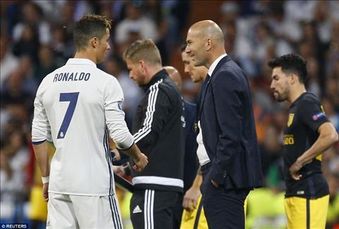 Real Madrid 3-0 Atletico Ronaldo thang hoa dua Los Blancos dat mot chan vao chung ket hinh anh 5