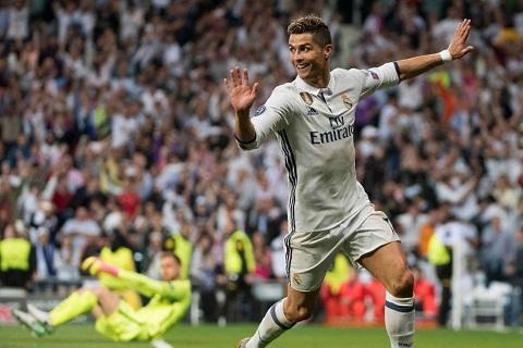 Ferdinand het loi khen ngoi tien dao Ronaldo hinh anh
