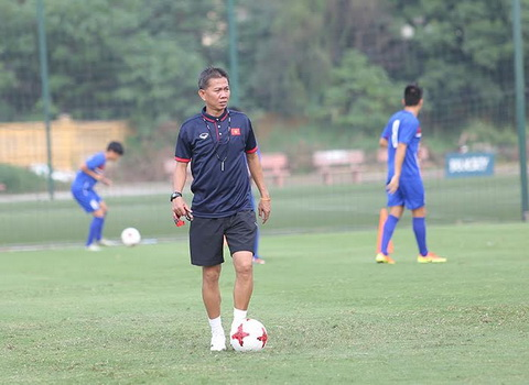 HLV Hoang Anh Tuan dang rat lo lang ve tinh hinh luc luong U20 Viet Nam.