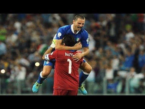 Chiellini danh gia cao thu mon Buffon hinh anh 2