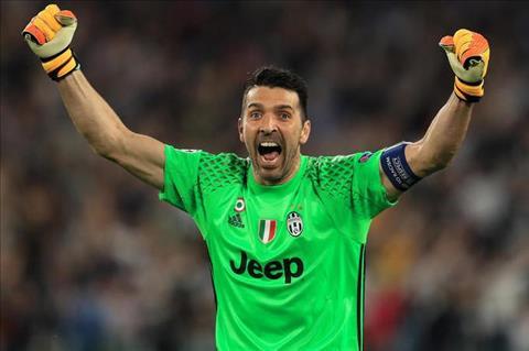 Buffon chao don thu mon Szczesny toi Juventus hinh anh