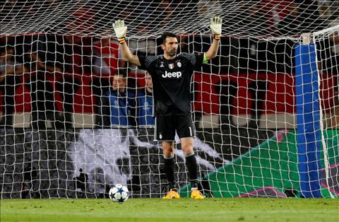 Monaco 0-2 Juventus Higuain toa sang, Lao ba coi nhu da vao chung ket cup C1 hinh anh 3