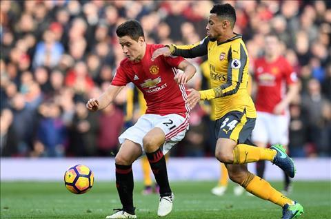Arsenal vs MU (22h ngay 75) Dai chien cua nhung hoai niem hinh anh 4