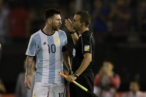 Lionel Messi chinh thuc duoc FIFA xoa an.