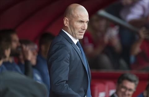 Kaka ngo ngang truoc thanh cong cua HLV Zidane tai Real hinh anh