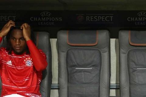 Ronaldo thuc giuc Real Madrid giai cuu Cau be vang hinh anh