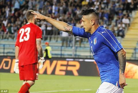 Trong do tien dao Lapadula cua AC Milan lap mot hattrick