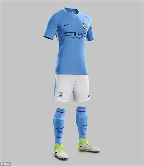 Ao dau Manchester City mua giai 201718 lo dien hinh anh