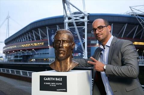 Tuong Gareth Bale xau xi khong kem Ronaldo hinh anh