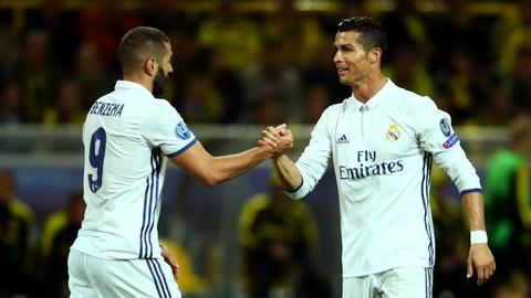 Benzema nhan xet Cris Ronaldo khong phai mau cau thu ich ky.