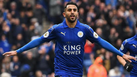 Arsenal va Barca co doi thu lon vu tien ve Riyad Mahrez hinh anh