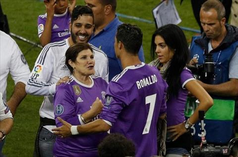 Ro tin don Ronaldo co them cap song sinh hinh anh