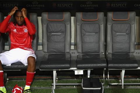 Goc MU Theo duoi Cau be vang Renato Sanches, nen hay khong hinh anh