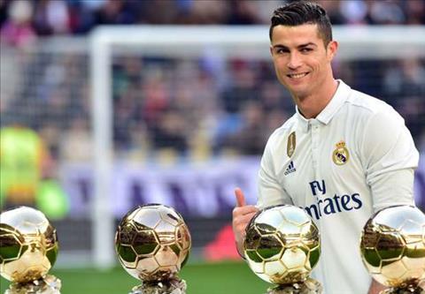 Tien dao Cristiano Ronaldo se gianh QBV FIFA 2017 hinh anh