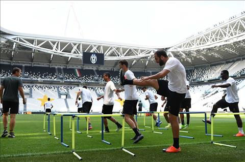 Juventus vs Real Trong con thinh no cua Pipita Higuain hinh anh 3