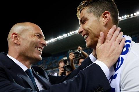 Zidane Ronaldo la cau thu toi tu hanh tinh khac hinh anh