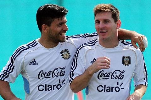Sergio Aguero va Lionel Messi la nhung nguoi dong doi than thiet o doi tuyen