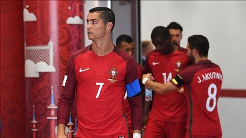 Cris Ronaldo lieu co giup lam nen lich su trong cuoc doi dau Nga vs Bo Dao Nha.