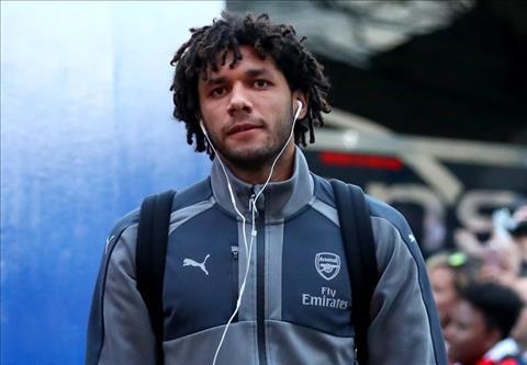 Elneny du bi lien tuc tai Arsenal