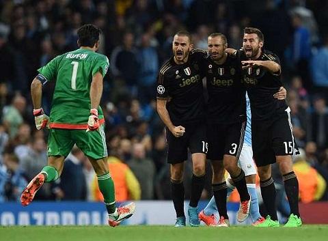 Chung ket Champions League 4 dieu Juventus can lam de danh bai Real hinh anh