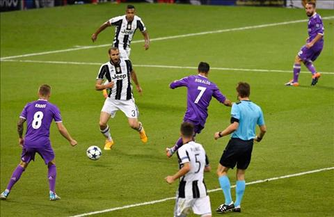 Juventus 1-4 Real Cuoi cung, Superman da khong con so Kryptonite hinh anh 2