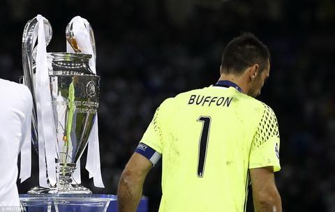 Chiec cup bac Champions League mot lan nua loi hen voi Gianluigi Buffon.