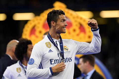 Sieu sao Ronaldo len mat Con ai dam chi trich toi xin gio tay hinh anh