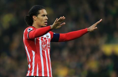 Huyen thoai Liverpool tuc gian chi trich Southampton dao duc gia hinh anh