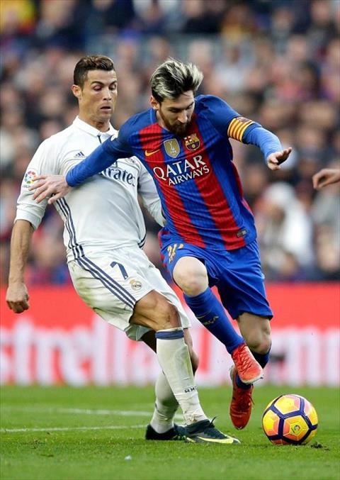 Tien dao Harry Kane muon vuot qua Messi va Ronaldo hinh anh