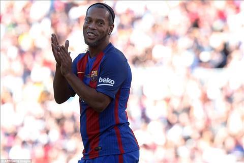 Huyen thoai Barca 1-3 Huyen thoai MU Ronaldinho, Rivaldo bai tran truoc Yorke, Park Ji Sung hinh anh 2