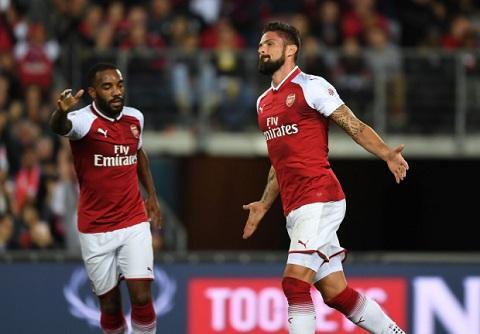 Arsenal va 5 cau hoi lon truoc mua giai moi hinh anh