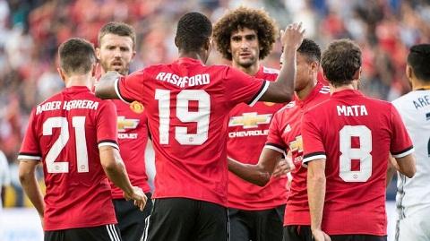 Tai sao Man United nen su dung so do ba hau ve hinh anh 2