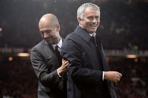 Gary Neville cho rang M. va Man City la hai ung cu vien hang dau cho ngoi vo dich Premier League mua toi.