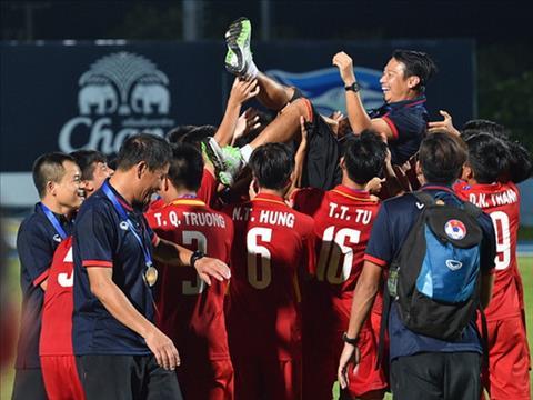HLV U15 Viet Nam mo ve World Cup thu ba cho bong da nuoc nha hinh anh