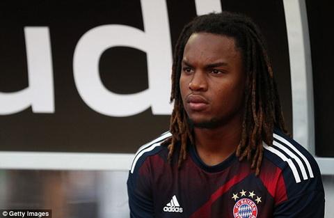 Renato Sanches gay that vong trong mua dau tien khoac ao Bayern Munich.