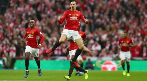 Ibrahimovic chuan bi tro lai Man Utd hinh anh